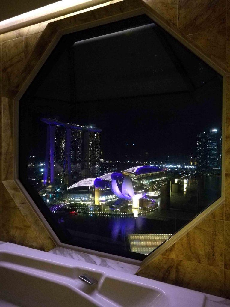 シンガポール リッツ・カールトン 夜景