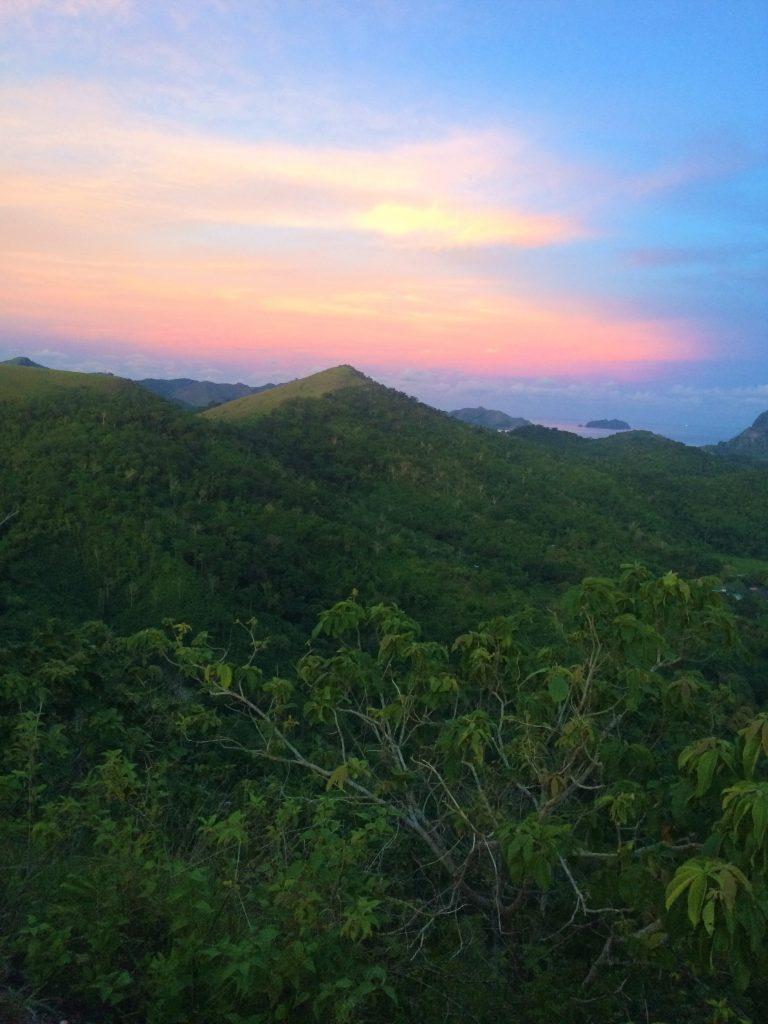 コロンタウンのタプヤス山山頂からの夕焼け