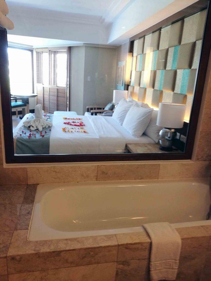 ヘナンリゾートのバスルームからの眺めの写真