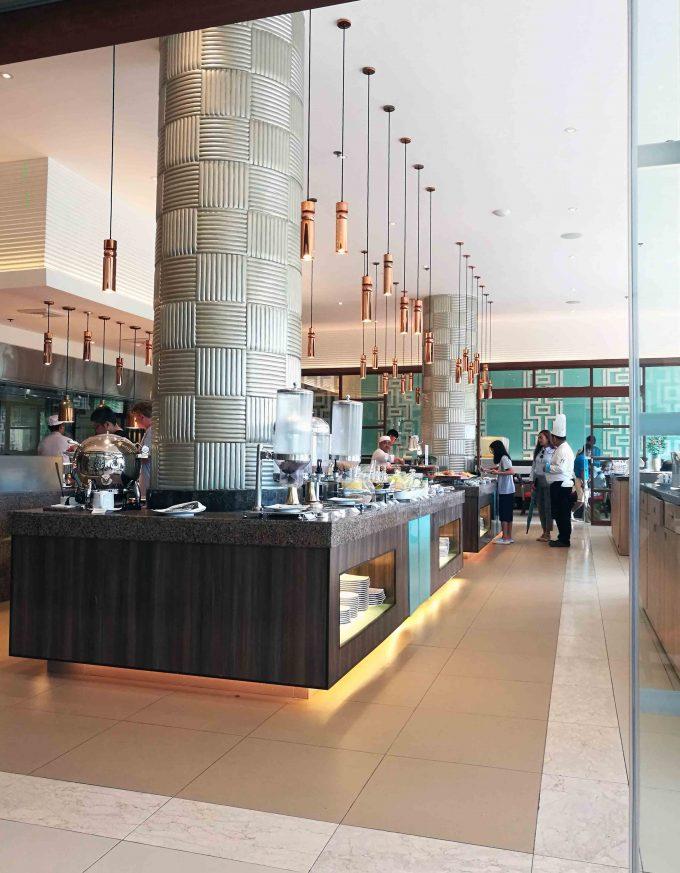 ヘナンリゾートアローナビーチのレストランの写真