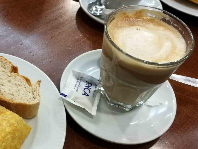 サンティアゴ巡礼のカフェコンレチェの写真