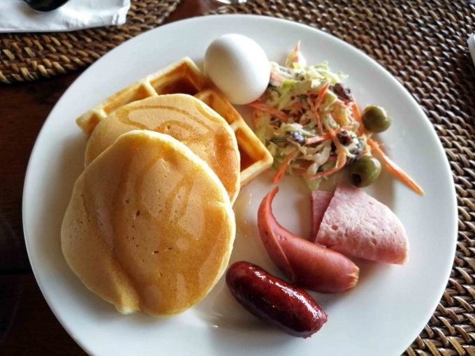 ミニロックリゾートの朝食の写真