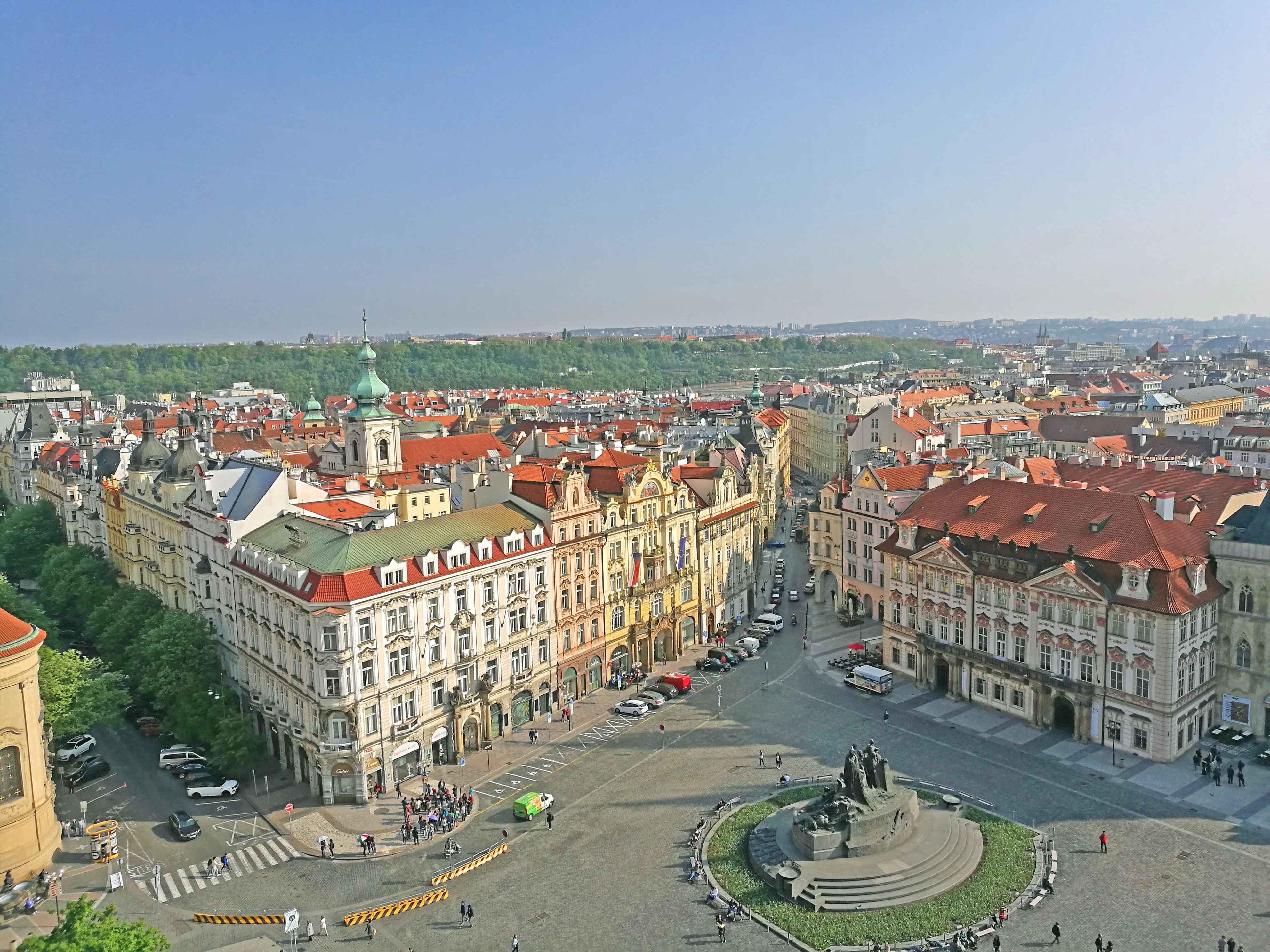 プラハ旧市街の街並みの写真
