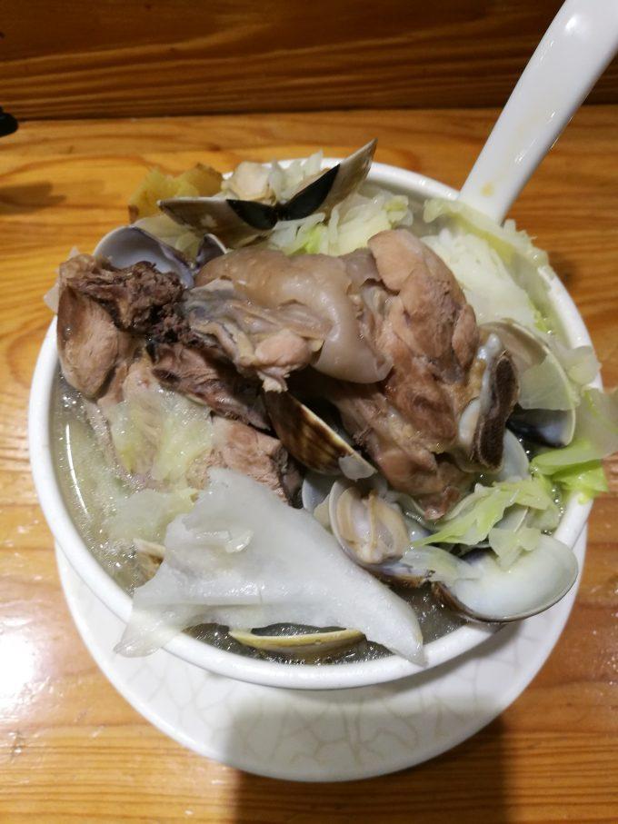 蛤蜊燉雞湯の写真