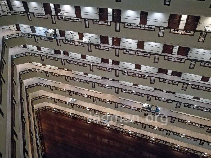 ウドンタニのセンタラホテルの建物内部の写真