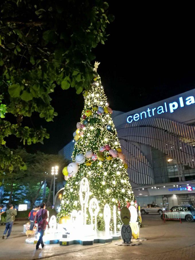 セントラルプラザのクリスマスツリーの写真